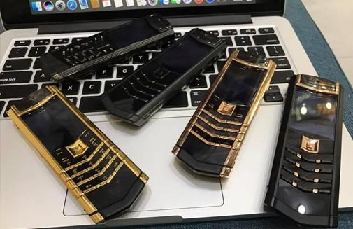 Giúp bạn phân biệt điện thoại Vertu chính hãng và hàng giả